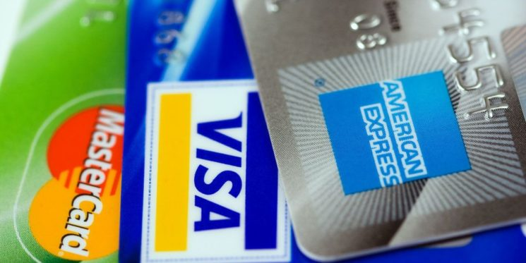 Need to Know Tips About Debit and Credit Cards When Studying Abroad